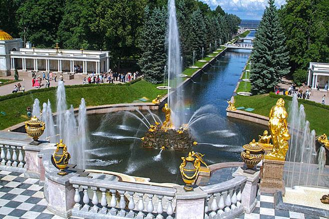 grand-cascade-in-peterhof